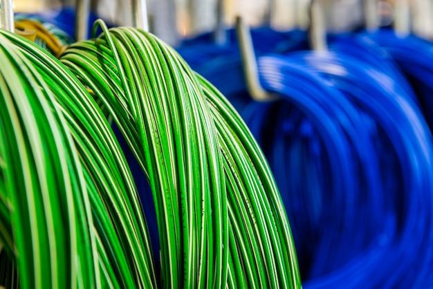 Kolorowe kable i przewody telekomunikacyjne Premium Zdjęcia