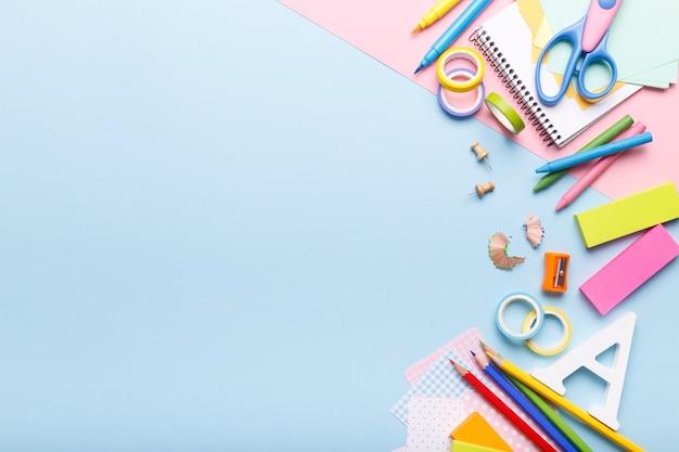 Kolorowe materiały stacjonarne Premium Zdjęcia