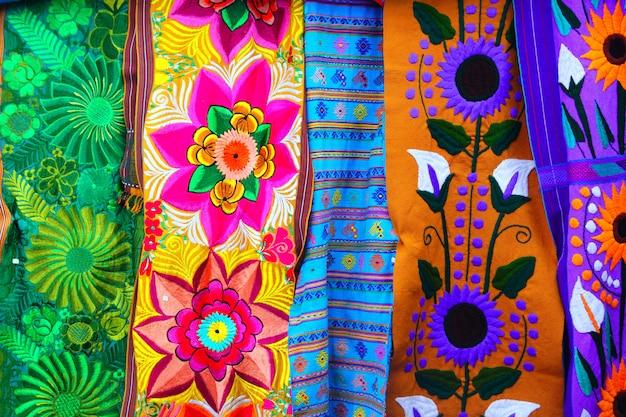Kolorowe meksykańskie tkaniny serape ręcznie Premium Zdjęcia