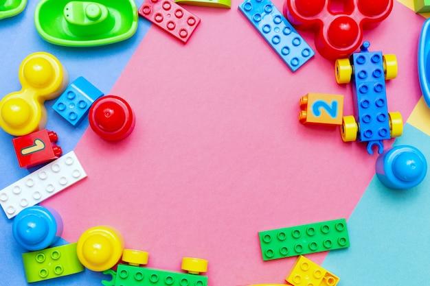 Kolorowych Dziecko Dzieciaka Edukaci Zabawek Tła Ramowy Copyspace Premium Zdjęcia
