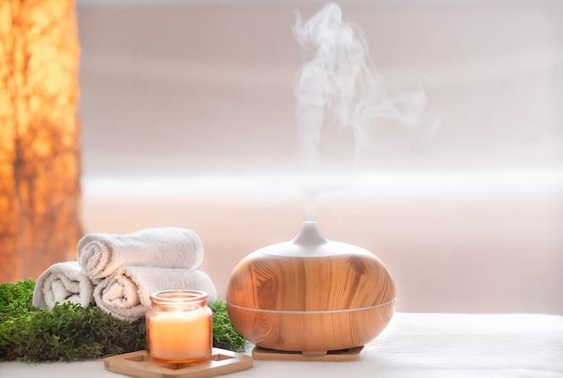 Kompozycja Spa O Zapachu Nowoczesnego Dyfuzora Olejkowego Z Produktami Do Pielęgnacji Ciała. Darmowe Zdjęcia