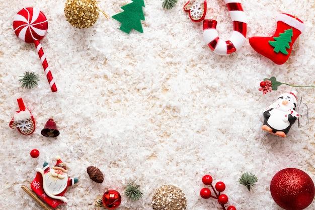 Kompozycja świąteczna z ramką dekoracyjną Darmowe Zdjęcia
