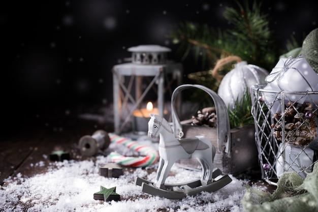 Kompozycja świąteczna z szyszką Premium Zdjęcia