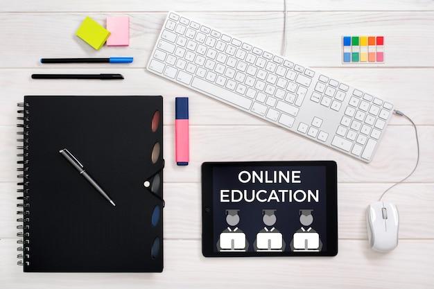 Koncepcja edukacji online Premium Zdjęcia