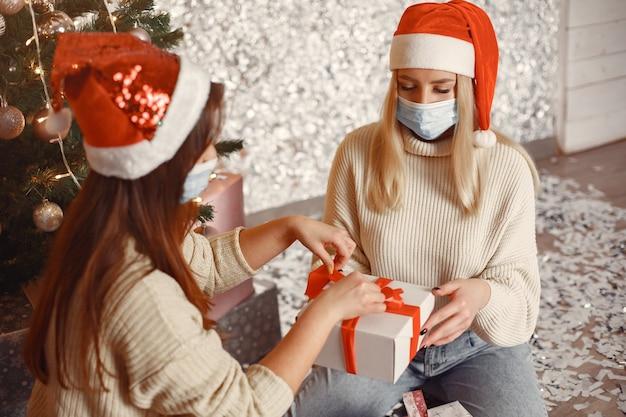 Koncepcja Koronawirusa I Bożego Narodzenia. Darmowe Zdjęcia