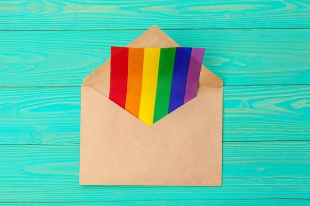 Koncepcja lgbtq, symbol gejów, wiadomość dla ciebie Premium Zdjęcia