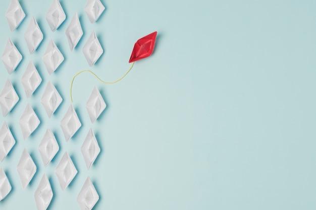 Koncepcja przywództwa łodzi origami Darmowe Zdjęcia