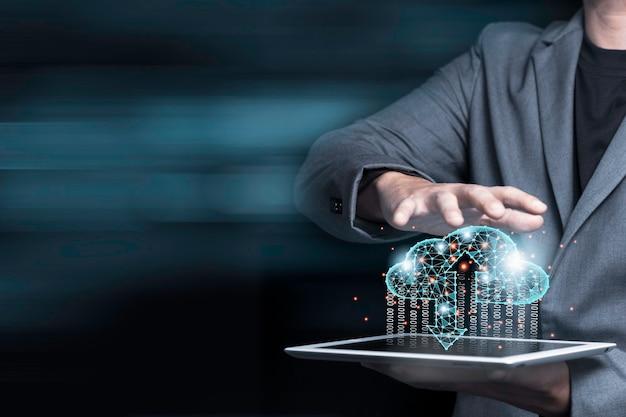 Koncepcja Transformacji Technologii Przetwarzania W Chmurze, Biznesmen Dotykając Chmury Wirtualnej Premium Zdjęcia