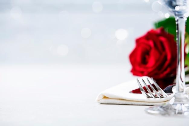 Koncepcja Walentynki Lub Romantyczną Kolację, Z Bliska Premium Zdjęcia