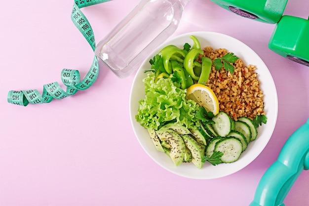 Koncepcja Zdrowej żywności I Sportowego Stylu życia. Lunch Wegetariański. Zdrowe Odżywianie. Odpowiednie Odżywianie. Widok Z Góry. Leżał Płasko. Darmowe Zdjęcia