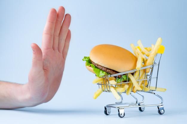 Koncepcja żywności I Diety. Odmowa Niezdrowej żywności Z Węglowodanów. Premium Zdjęcia
