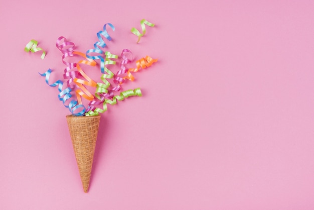 Konfetti w lody z różowym miejscem na kopię Darmowe Zdjęcia