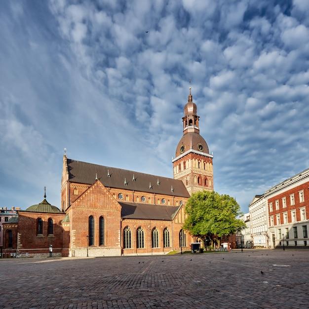 Kopuła Kwadrat, Ryska Katedra Przy Centrum Stary Miasteczko Ryski, Latvia. Premium Zdjęcia