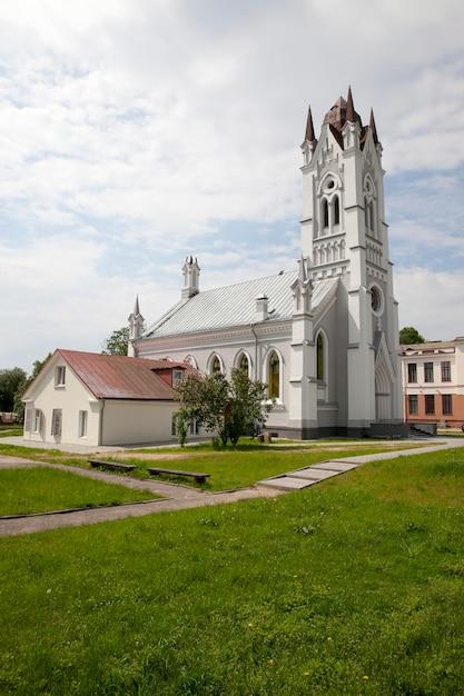 Kościół św. Jana Kościół Luterański W Grodnie Na Białorusi. Zbudowany W Xix Wieku Premium Zdjęcia