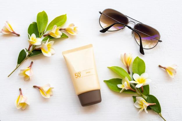 Kosmetyki Przeciwsłoneczne Spf Pielęgnacja Skóry Twarzy Premium Zdjęcia