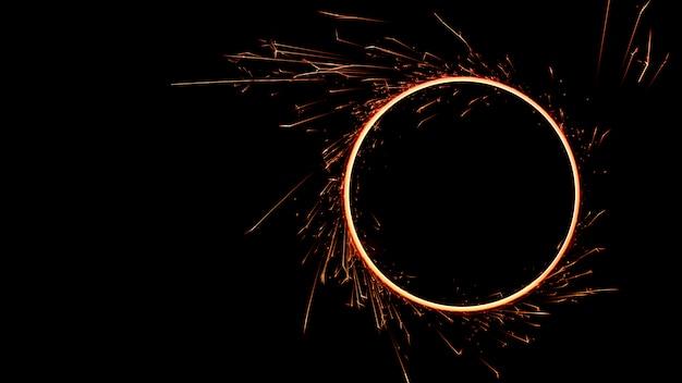 Krąg Płomieni Ognia Bengalskiego Premium Zdjęcia