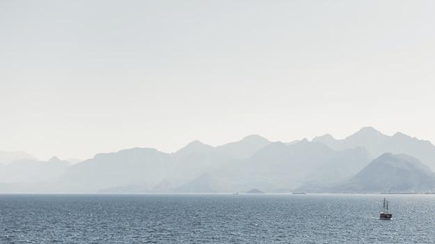 Krajobraz Gór I Oceanów Premium Zdjęcia