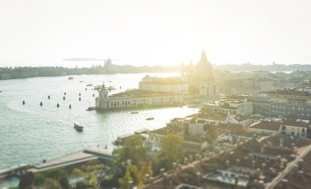 Krajobraz Miasta W Lecie Premium Zdjęcia
