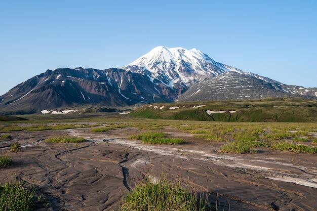 Krajobraz Wulkanu Półwyspu Kamczatka Premium Zdjęcia