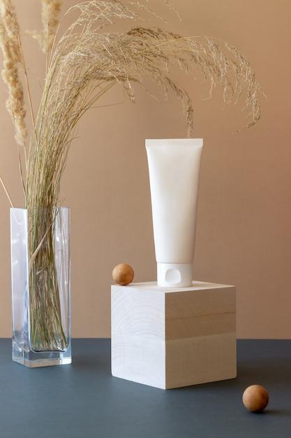 Krem Kosmetyczny W Tubce. Kosmetyki Naturalne. Ochrona Skóry. Premium Zdjęcia