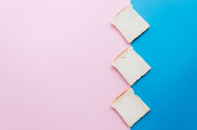 Kromka Chleba Z Kolorem Tła Darmowe Zdjęcia
