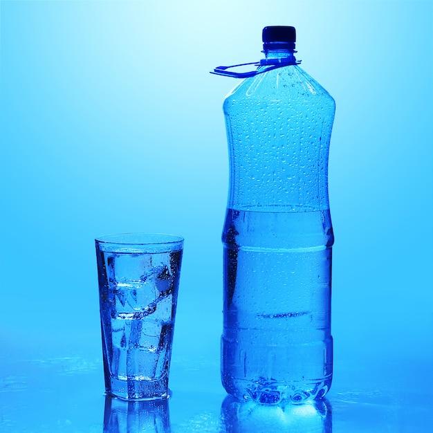 Krystalicznie Czysta Woda Z Lodem Darmowe Zdjęcia