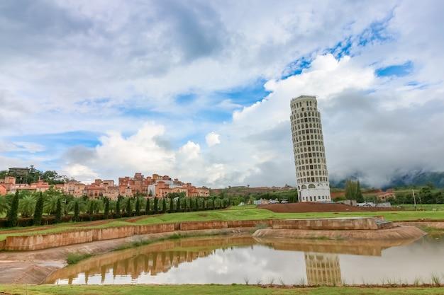 Krzywa Wieża W Pizie W Dolinie Toscana Tematu Miasta Włochy Styl Premium Zdjęcia