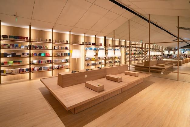 Księgarnia yanjiyou, life experience museum, to kreatywny sklep z doświadczeniami życiowymi o dużej wyobraźni i kreatywności, pokazujący siebie i osobowość. Premium Zdjęcia