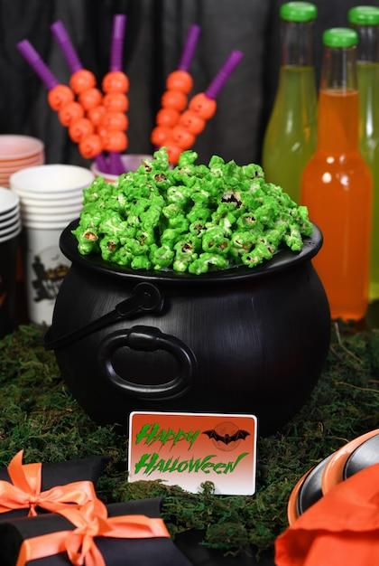 Kukurydza Kocioł Halloweenowa Uczta Premium Zdjęcia