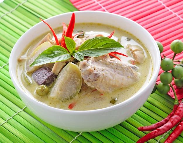 Kurczak Zielony Curry Kuchnia Tajska Zdjecie Premium Pobieranie