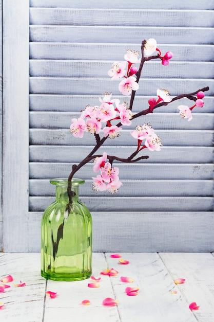 Kwiat Wiśni. Różowe Kwiaty Sakury. Koncepcja Dzień Wiosny Lub Mam Premium Zdjęcia
