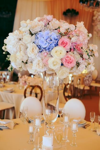 Kwiatowy Bukiet Centralny Z Eustomami I Hortensjami Darmowe Zdjęcia