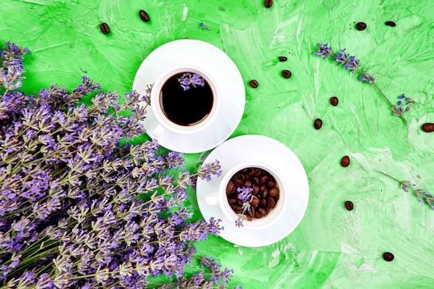 Kwiaty kawy i lawendy Premium Zdjęcia