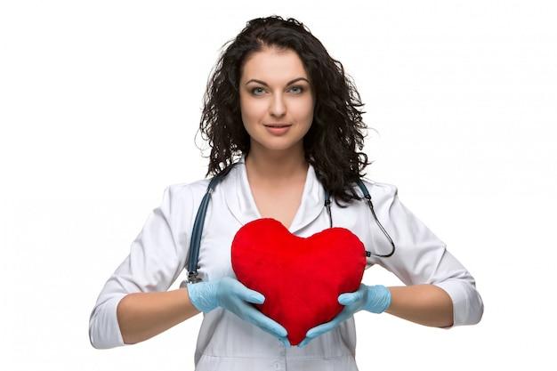 Ładna Kobiety Lekarka Trzyma Czerwonego Serce Darmowe Zdjęcia