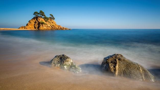 Ładny Szczegół Hiszpańskiego Wybrzeża Na Costa Brava, Playa De Aro Premium Zdjęcia