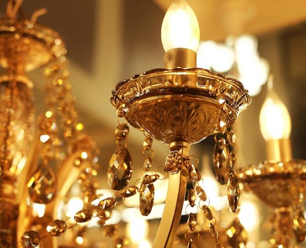Lampy sufitowe, żyrandole Premium Zdjęcia