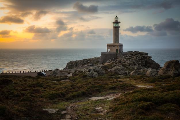 Latarnia Morska Punta Nariga W Galicji W Hiszpanii Darmowe Zdjęcia