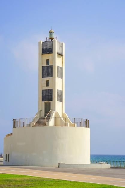 Latarnia Morska W Zatoce Morskiej Premium Zdjęcia