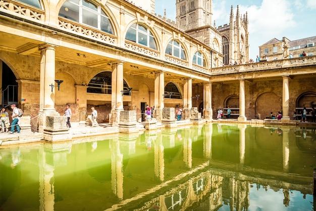Łaźnie Rzymskie W Mieście Bath. Premium Zdjęcia