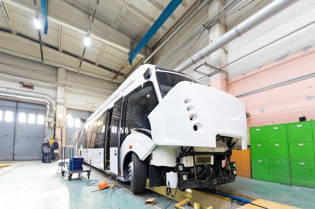 Linia do produkcji trolejbusów Premium Zdjęcia