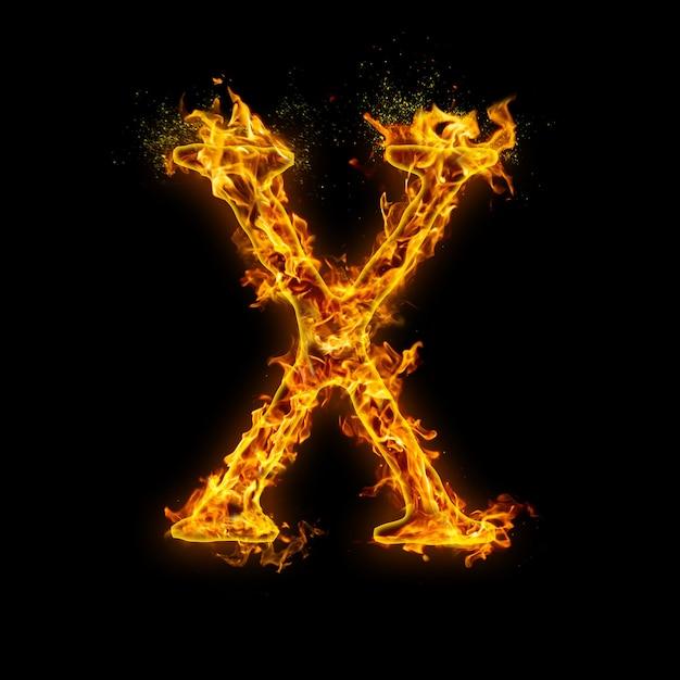 Litera X. Płomienie Ognia Na Czarnym Tle, Realistyczny Efekt Ognia Z Iskrami. Premium Zdjęcia