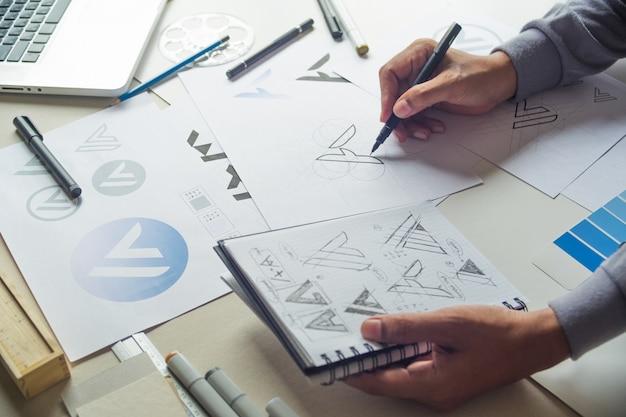 Logo Projektu Graficznego Szkicu Premium Zdjęcia