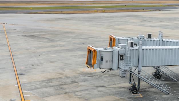 Lotnisko terminal boarding gate. Darmowe Zdjęcia