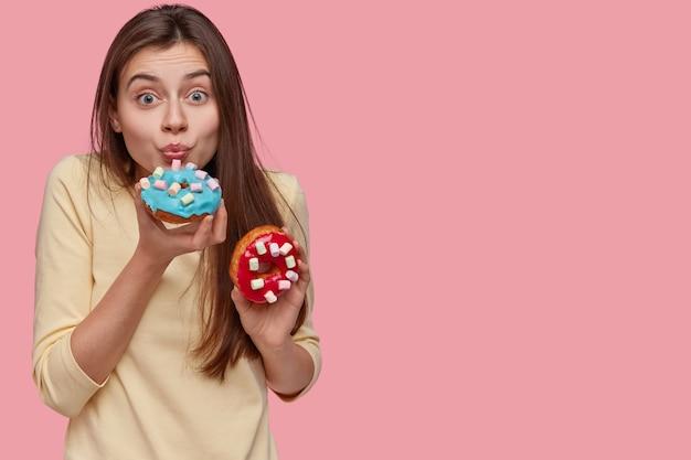 Ludzie I Niezdrowe Odżywianie Darmowe Zdjęcia