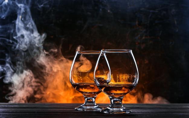 Luksusowa i droga francuska brandy w szklance Premium Zdjęcia