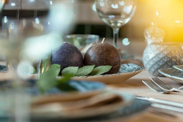 Luksusowe Nakrycie Stołu Na Imprezę W Restauracji Premium Zdjęcia