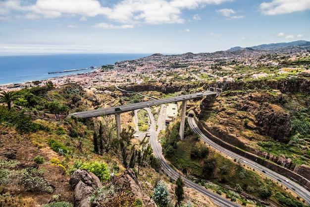 Madera Wyspa Portugalia Typowy Krajobraz, Panorama Miasta Funchal Z Ogrodu Botanicznego Darmowe Zdjęcia