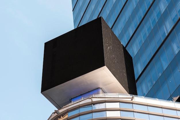 Makieta sześcienna billboardu w scape miasta Darmowe Zdjęcia