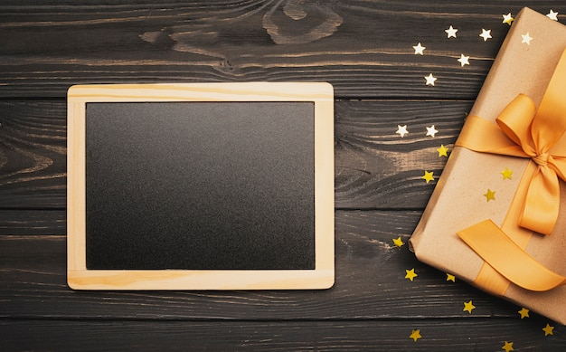 Makieta tablicy z prezentem na święta Darmowe Zdjęcia