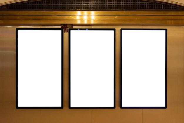 Makiety billboardów na ścianie Darmowe Zdjęcia